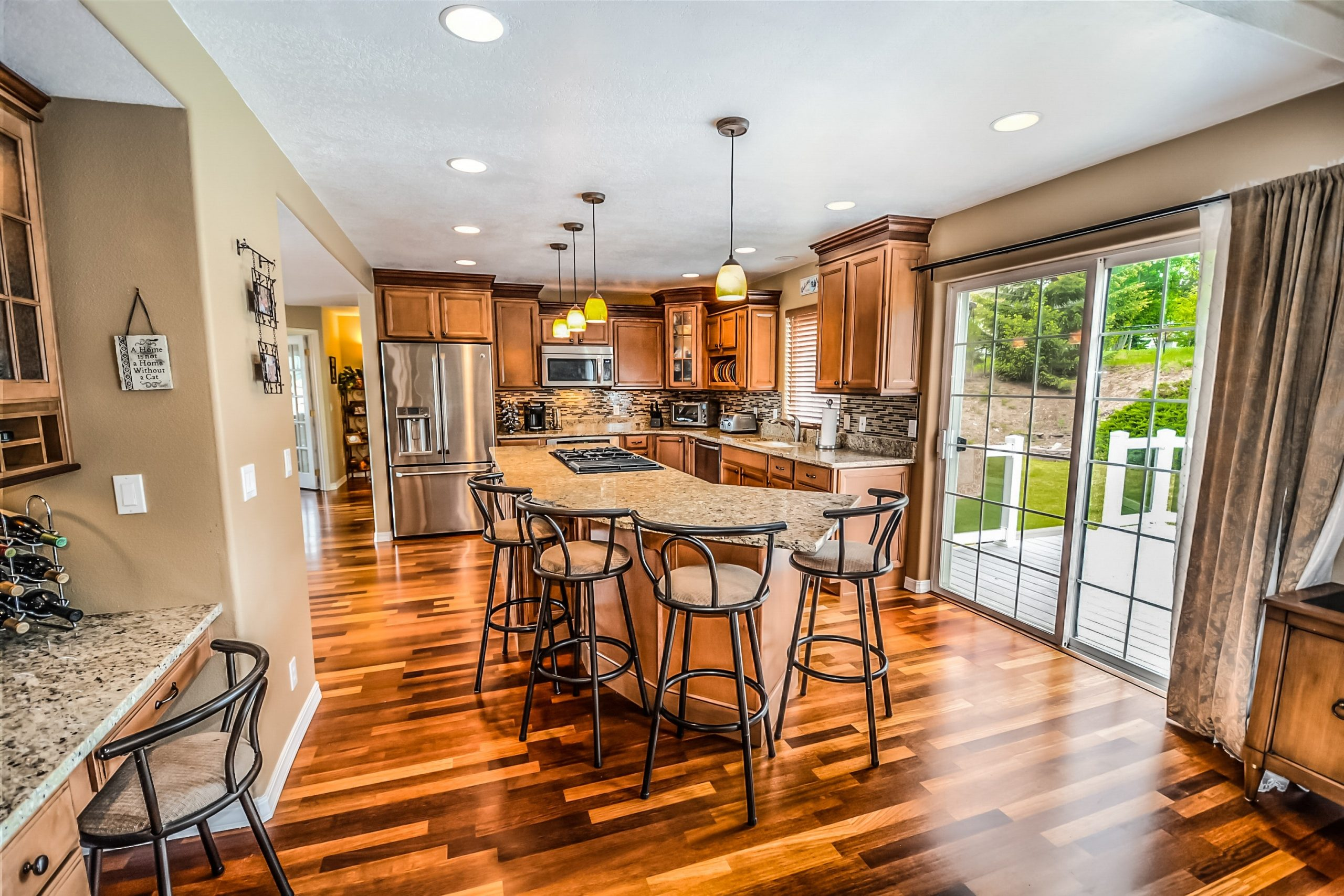 How to Clean your Kitchen like a professional?