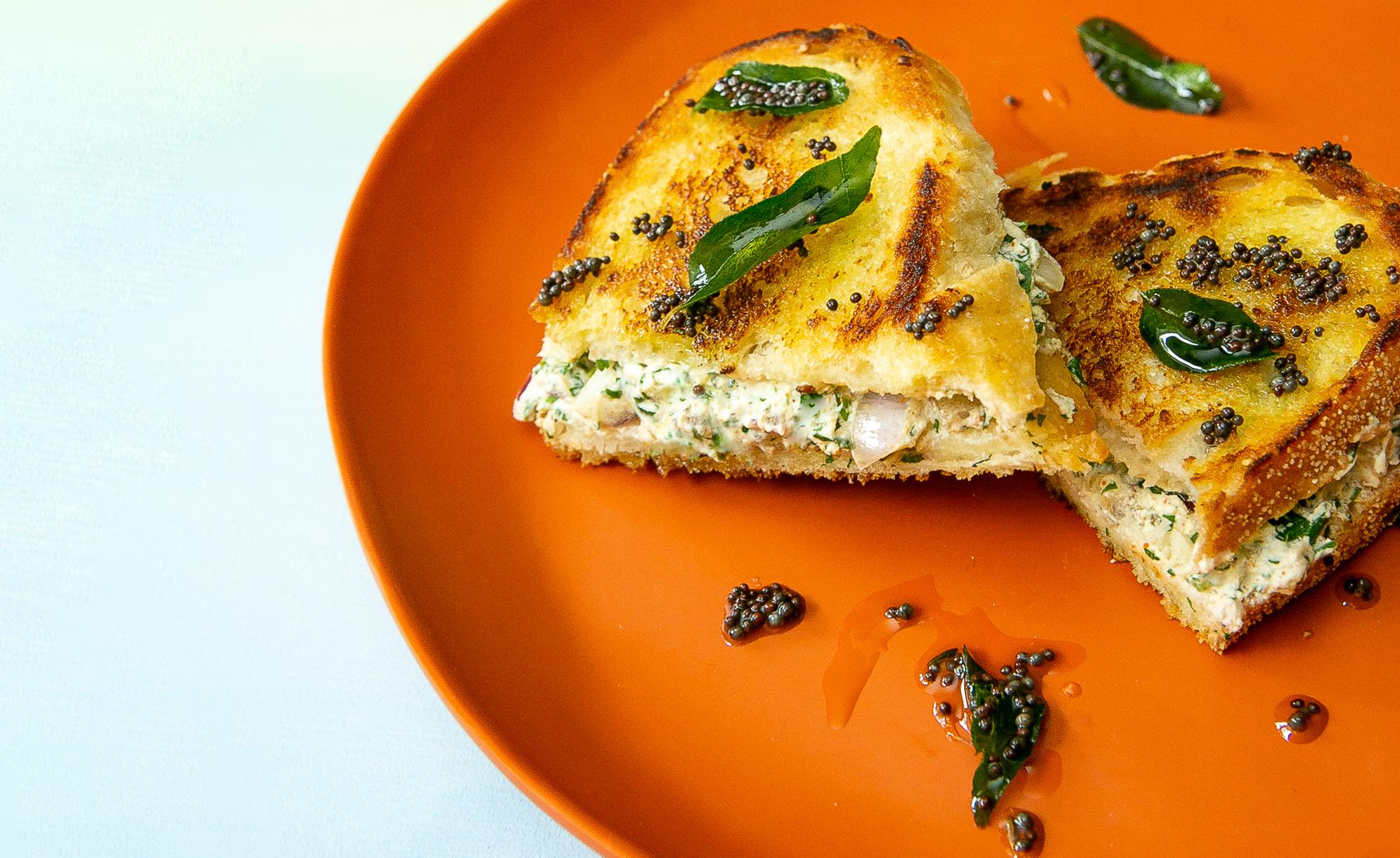 Dahi Toast