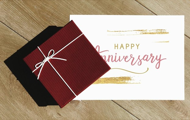 Anniversary Gifts for Online Delivery